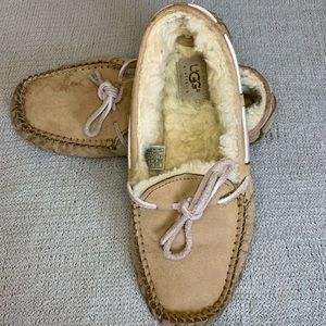 Sand Classic Moccassin Uggs